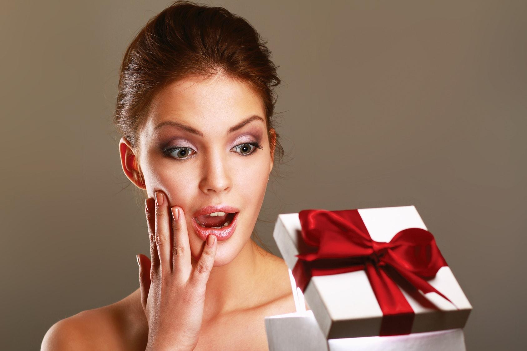 Что подарить женщине на 30-35 лет