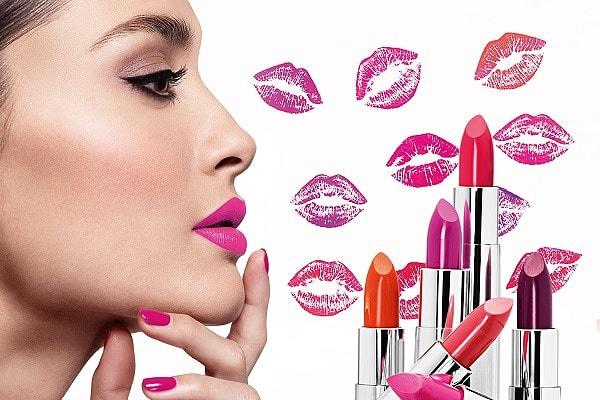 Как правильно красить губы яркой помадой