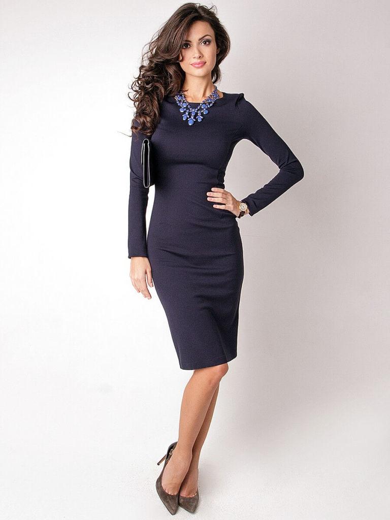 Платье-футляр в официально-деловом стиле