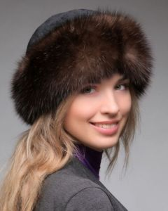 Женская шапка-боярка