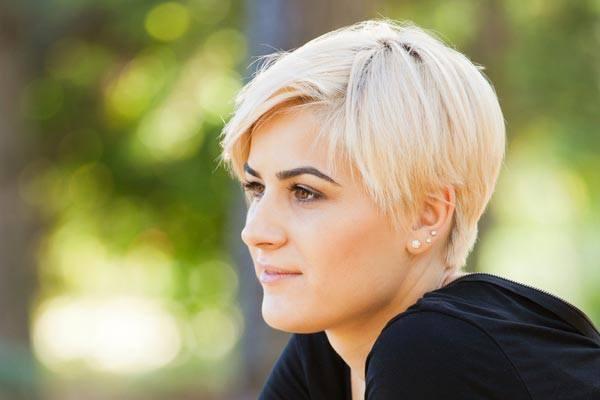 какие стрижки молодят женщину после 35