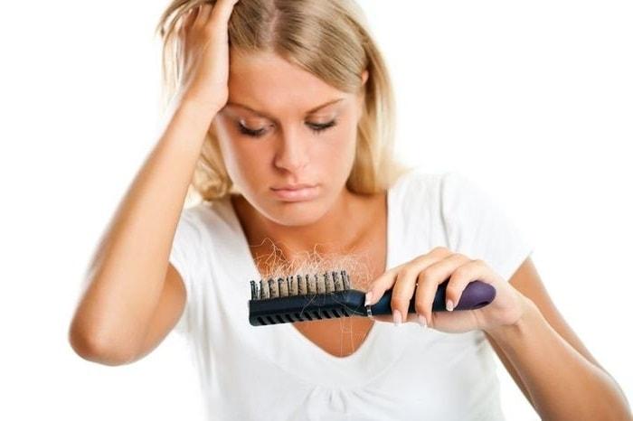 Выпадение волос у девушек после 30 лет