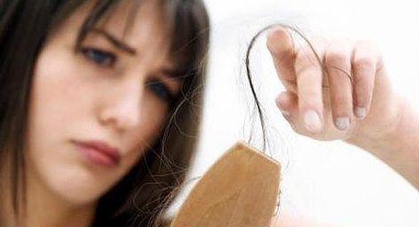 Выпадение слабых волос
