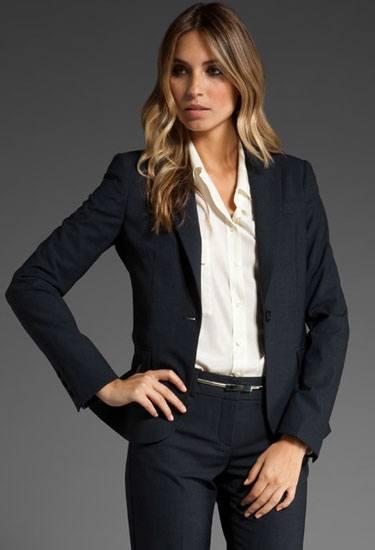 Жакет и деловые брюки