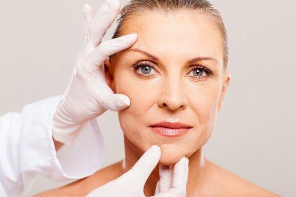 Как ухаживать и омолодить лицо женщине в 50 — 55 лет
